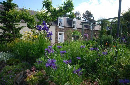 Snaptrip - Last minute cottages - Exquisite Galashiels Cottage S7617 -