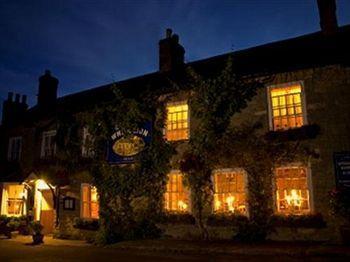 The White Lion Inn Exterior