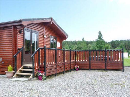 Wildcat Lodge (Ref 939095) - Hot Tub Holidays with Sykes Cottages