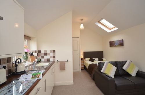 Snaptrip - Last minute cottages - Superb Middlesbrough Barn S13276 -