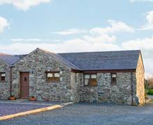 Snaptrip - Last minute cottages - Captivating Llangaffo Rental S13105 -