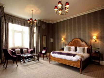 - Wivenhoe House Hotel