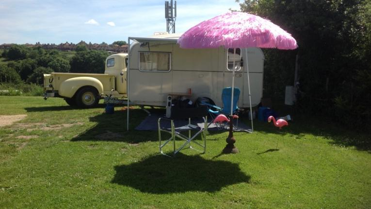 Folly Gardens Accommodation & Camping - 5 Mins Walk To Town  Folly Gardens Caravan, Camping & Cottage