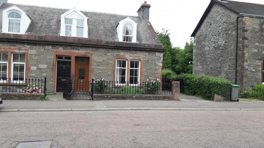 front view of cottage with off road parking - Janevale Self Catering Accommodation