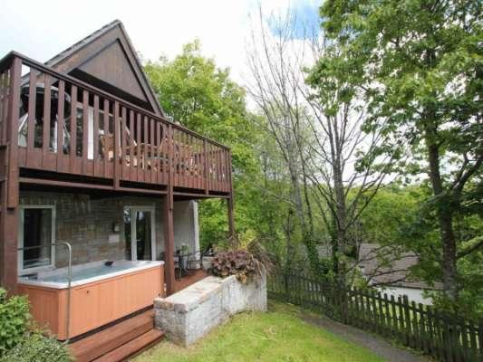Hot Tub Holidays with Sykes Cottages Valley Lodge 58 (Ref 959864)