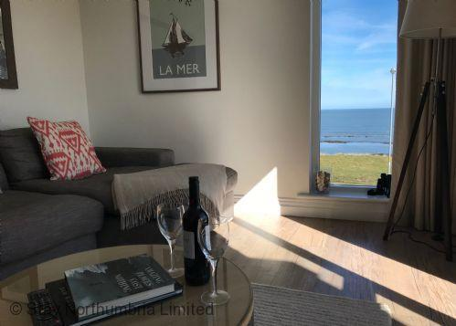 6 Seafield - Portside Stunning sea views from our lounge