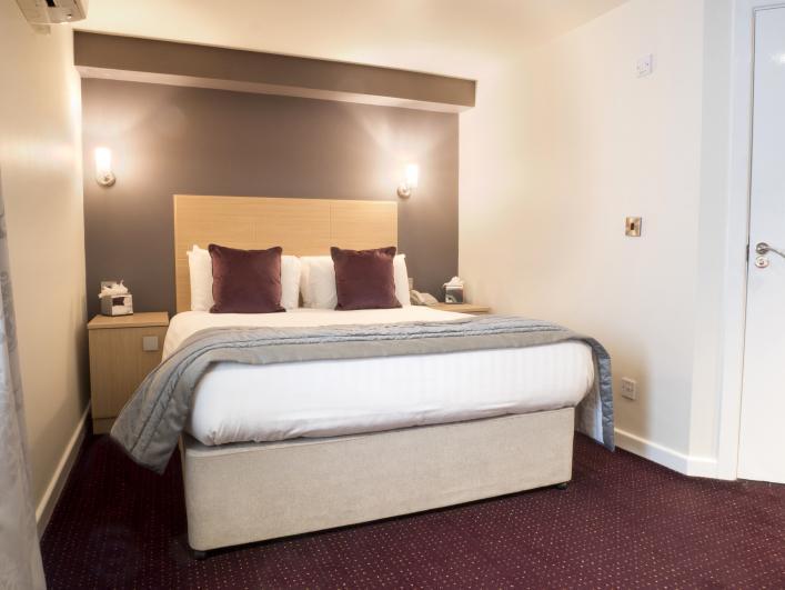 Waterfront Hotel & Venue Waterfront Hotel & Venue - Prego Room.
