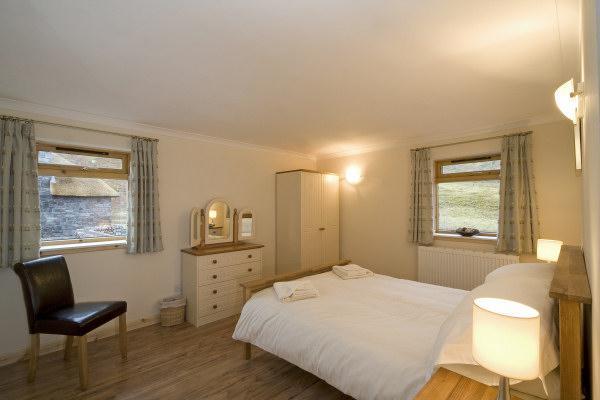 Clan MacDonald No. 5 En-suite double bedroom