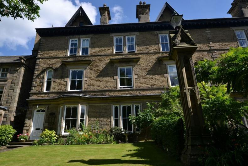 Glendon Guest House The Glendon Guest House offering luxury accommodation in Matlock.