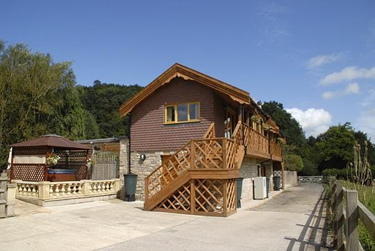 Purbeck Holiday Lets Sunrise exterior.