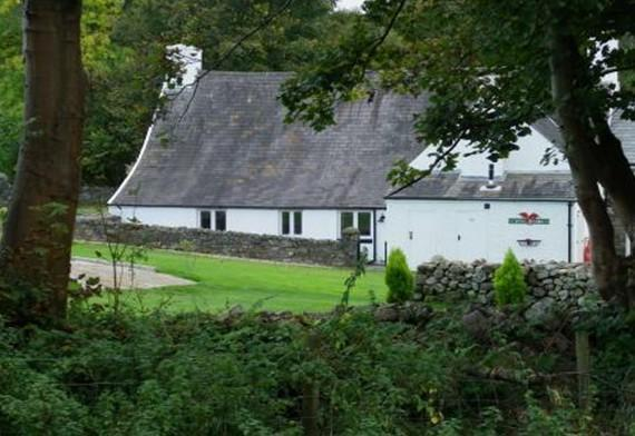 Craig Y Nos Self-Catering Cottage A dog friendly 16th century farmhouse in the Brecon Beacons - Sleeps 6 plus 2 in an annexe.