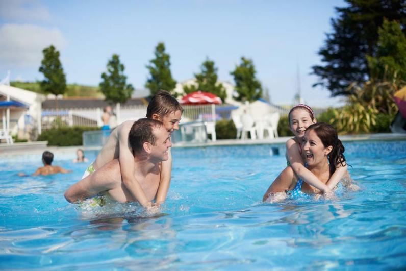 Haven Seaview Holiday Park Outdoor pool