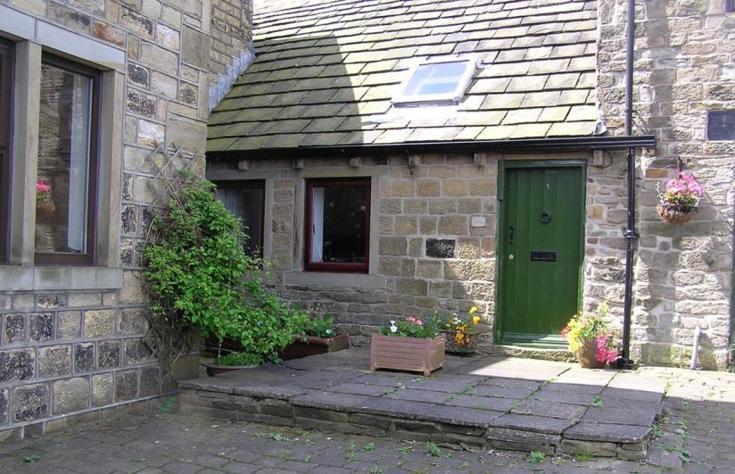 - Cruck Cottage