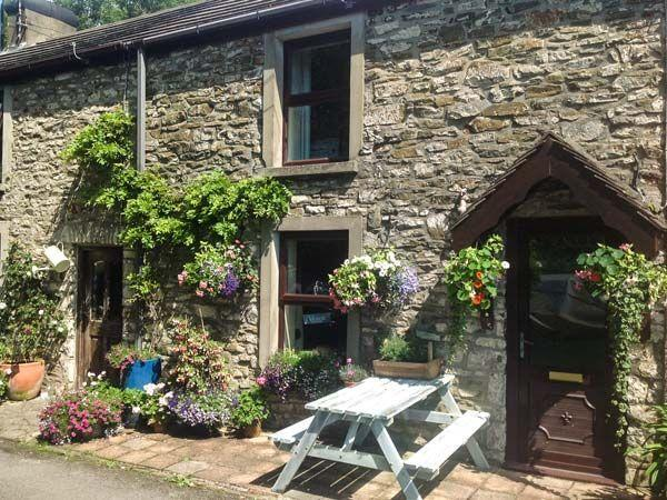 Sykes Budget Cottages on The Gower 2 Graig Cottages (Ref.933343), Burry Port near Llanelli. Sleeps 6.