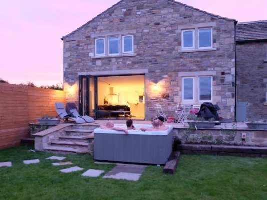 Hot Tub Holidays with Sykes Cottages Croft Cottage (Ref 935272)