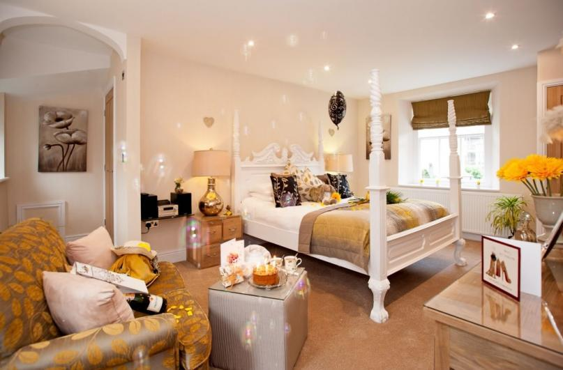 Windermere Boutique Hotel The new ground floor Honey Suite with hand carved king-size bed.