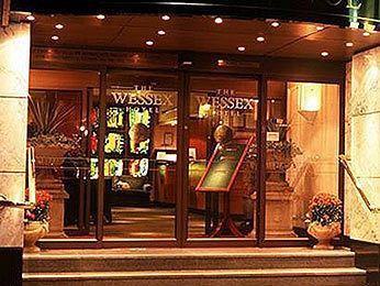 Mercure Wessex luxury hotel Exterior