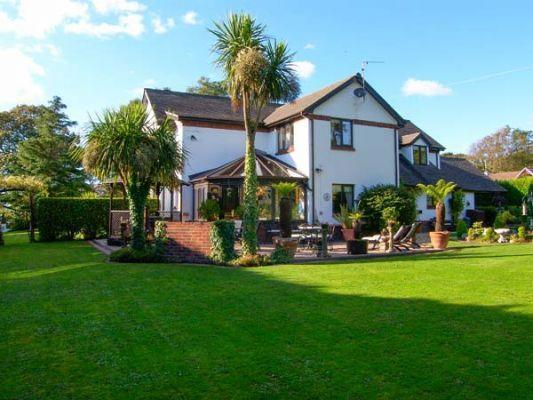 Domecilia (Ref 2836) sleeps 21 - Group Holidays with Sykes Cottages