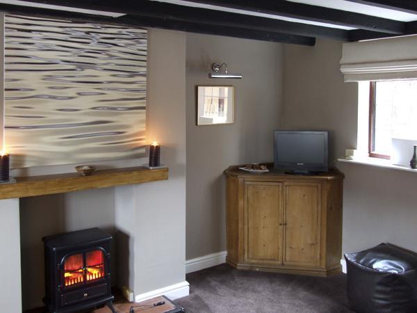 - 9 Overton Bank Cottage