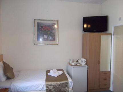 - Firs Lodge B&B