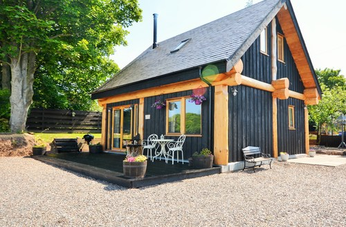 Snaptrip - Last minute cottages - Stunning Laurencekirk Log Cabin S49897 -