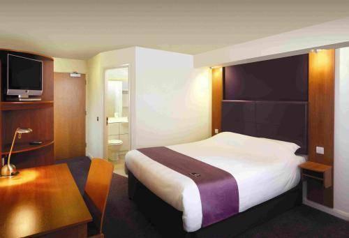 - Premier Inn Godalming