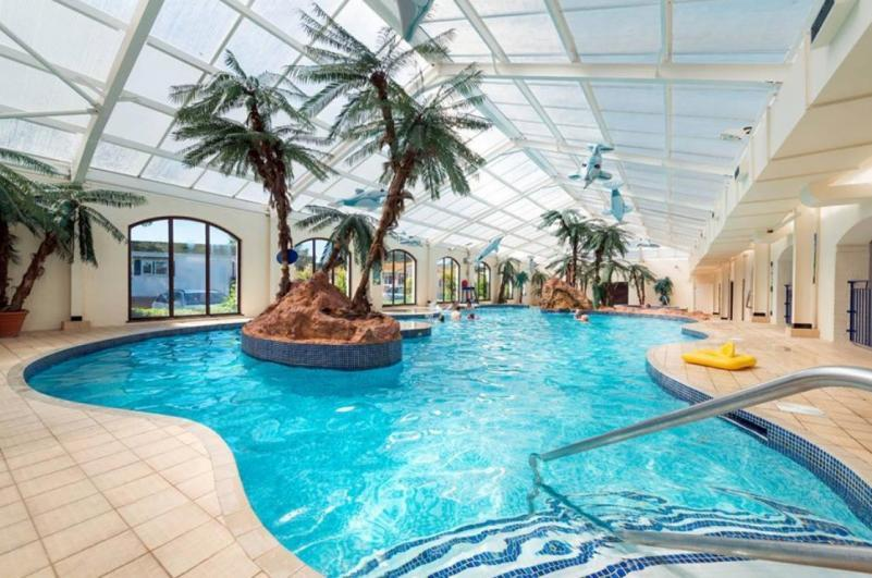 Tropicana Swimming Pool - Welcome Family Holiday Park