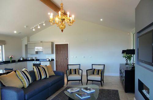 - Crispin Luxury Lodge