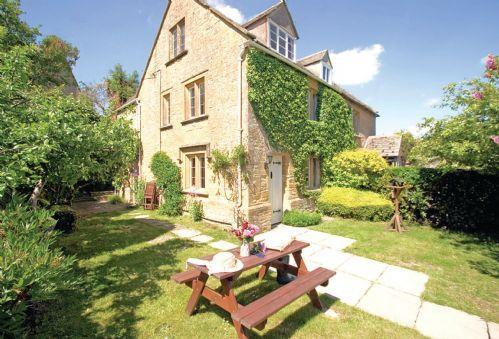 Bank Cottage (Longborough) Bank Cottage a period cottage, accommodating six guests, in the heart of the Cotswold Countryside