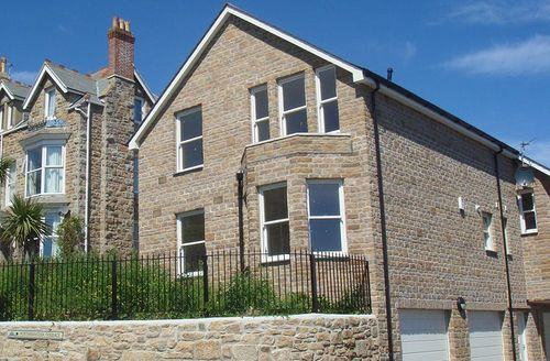 Snaptrip - Last minute cottages - Inviting Saint Ives Rental S1166 - Outside Oceanis, St Ives