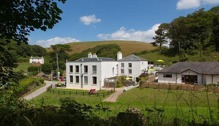 Bovisand Lodge Holiday Park - Grade 2 country house, apartments in east wing - Bovisand Holiday Lodges & Apartments