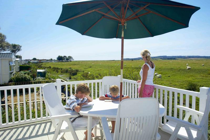 Stylish 2 & 3 bed holiday caravans with wonderful views.  - Winchelsea Sands Holiday Park