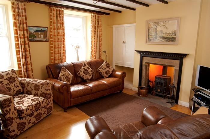 Sawmill Cottage Cosy Lounge with TV Free-sat DVD player and Hi-Fi. Selection of books and games