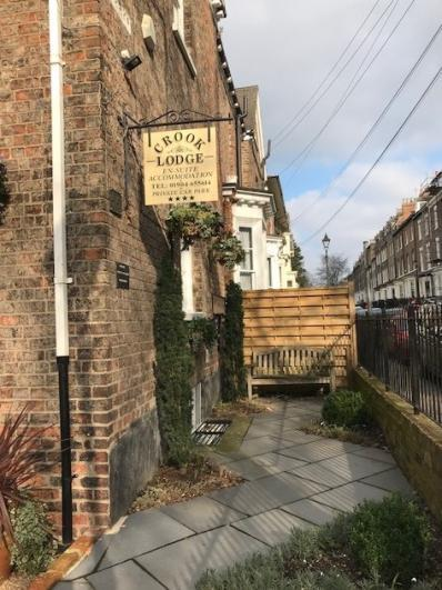 Crook Lodge - Crook Lodge Guest House - With Onsite Parking
