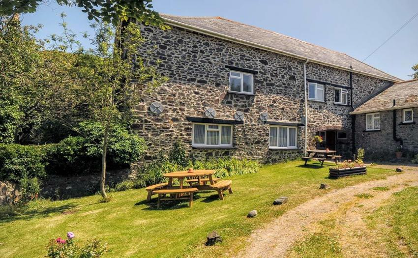 Great Tythe Barn - sleeps up to 8 guests. - Great Tythe Barn