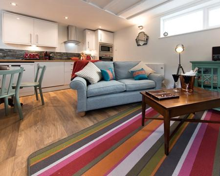 Harrogate Holidays Artists Loft, Harrogate - ideal for couples. Ref 228