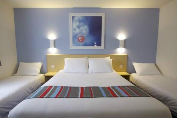 Travelodge Alton Four Marks budget hotel