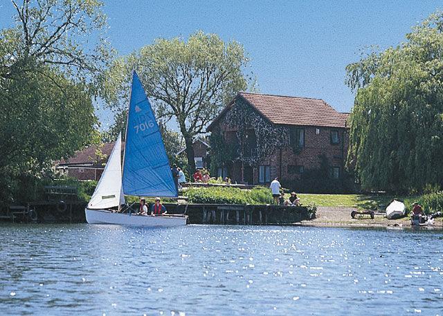 Hoseasons York: Lakeside Holiday Lodges Hoseasons York: Lakeside Holiday Lodges