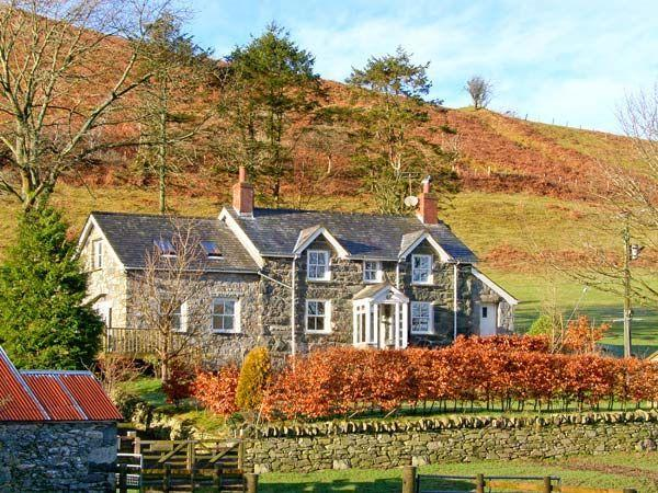 Budget Breaks to Snowdonia with Sykes Cottages Cwm Llan (Ref. 17835) Sleeps 6