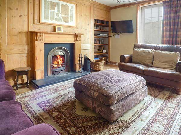 Budget Holidays to Whitby with Sykes Cottages The Captain's Hideaway (Ref. 12116) Sleeps 7