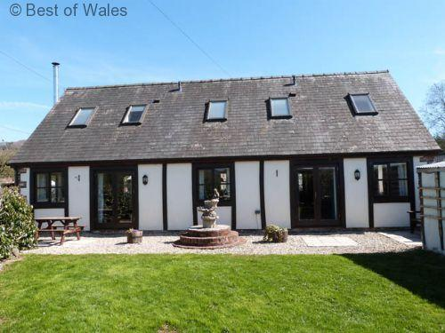 Bwthyn Efyrnwy Cottage Bwthyn Efyrnwy (left) is perfect for outdoor activities & fishing holidays in Wales