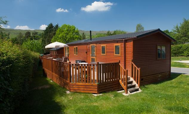 Two bed luxury Striding Edge Holiday Lodge at Limefitt Park. Free use of Low Wood Club leisure facilities.  - Lake District Lodge Holidays
