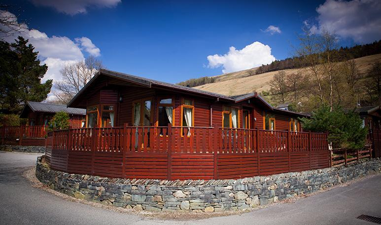 Stoney Brow Holiday Lodge Modern and spacious three bedroom lodge ideal for relaxing holidays. Dog friendly.