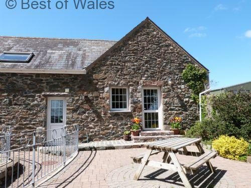Stabal Y Sarn Child friendly holiday at this 5 star self catering Llyn Peninsula