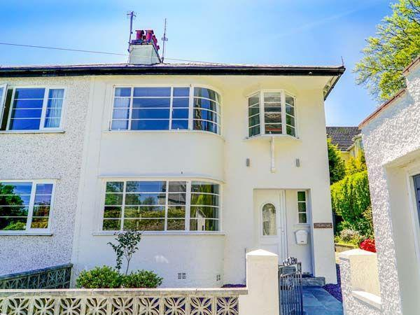 The Art Deco House (Ref.932426). Menai Bridge near Bangor, Anglesey. Sleeps 6. - Sykes Cottages on the North Wales Coast