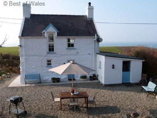Detached, sea view holiday cottage Nefyn, Llyn Peninsula - Bwthyn Nefyn Cottage