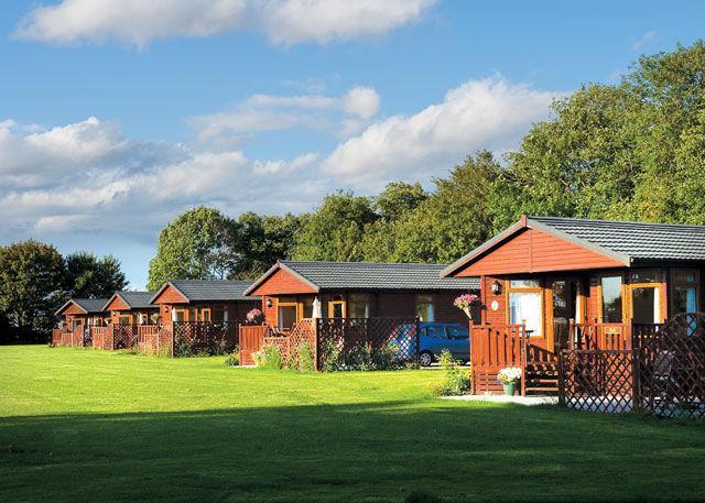 Hoseasons Suffolk: Athelington Hall Farm Lodges Hoseasons Suffolk: Athelington Hall Farm Lodges