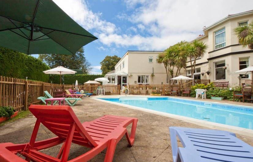 The Seabury Hotel The outdoor heated pool and sun loungers
