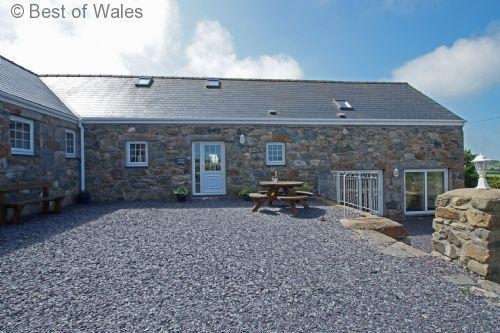 Ideal for get-togethers: large 5 star holiday cottage, Llyn Peninsula - Stabal Lleuddad