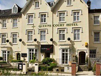 Exterior - Queens Court Hotel